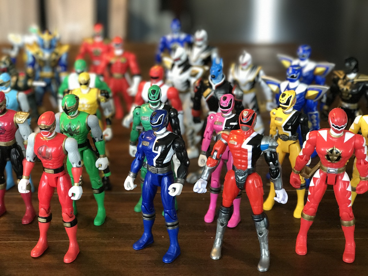 Jouets Power Rangers (photo par David McBee de Pexels)
